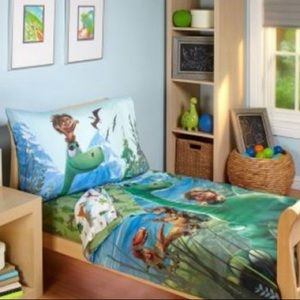 Good dinosaur bed set